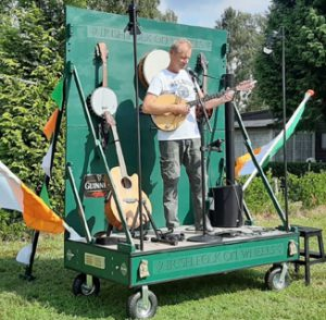 Irish _folks_on_wheels