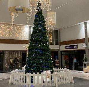 Kerstboom 9 meter met decoratie